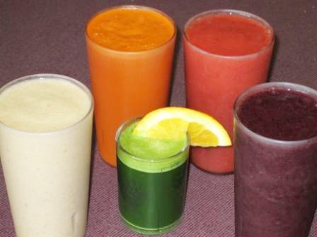 Freshly Made 100% Organic Juices & Smoothies